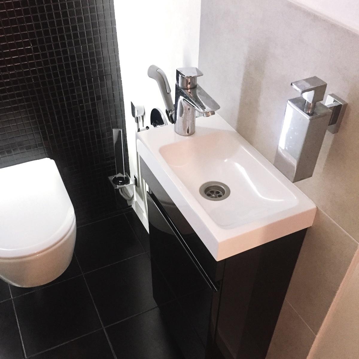 Черная Тумба под умывальник в туалет