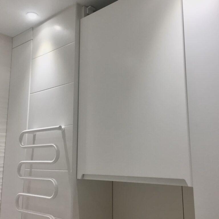 Шкафчик для бойлера в ванную