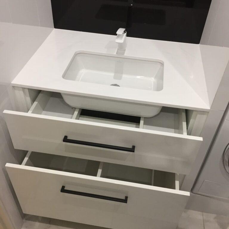 Тумба в ванную под умывальник