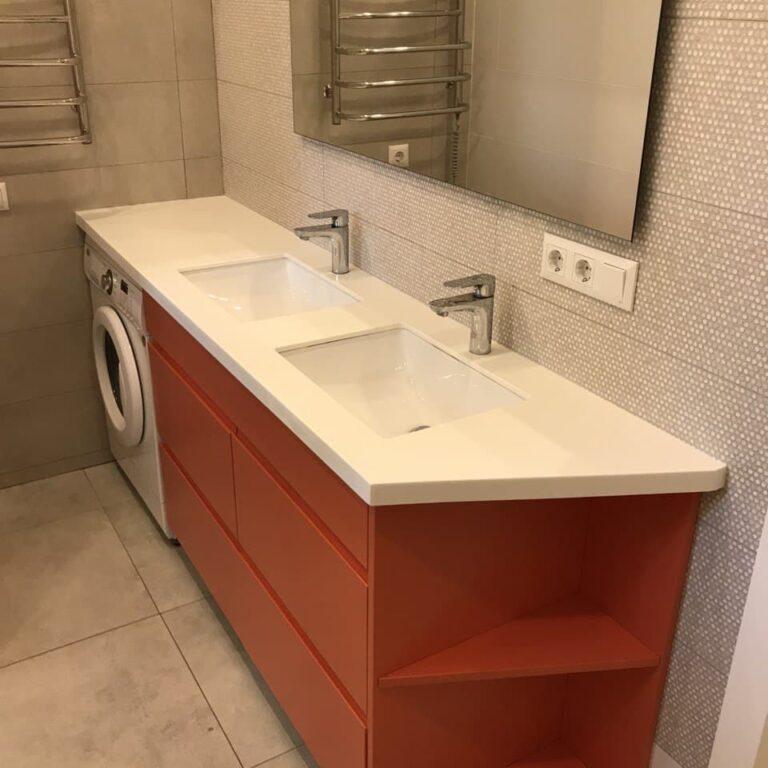 Оранжевая тумба в ванную