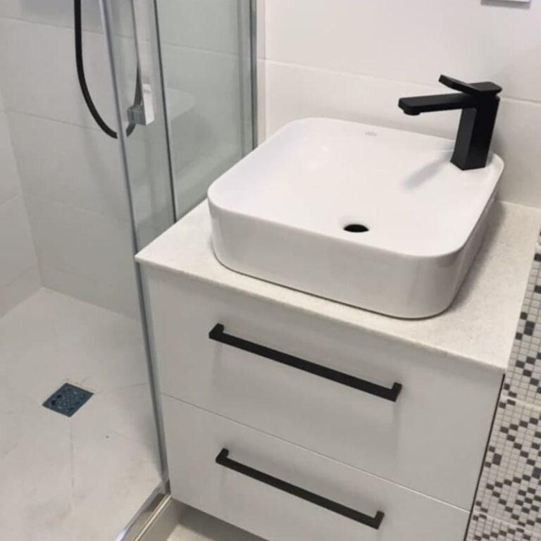 Тумба в ванную со столешницей на заказ